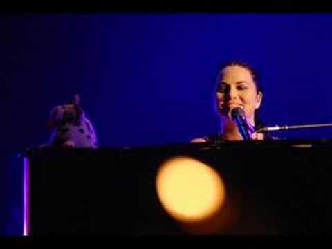 Amy Lee about Israel