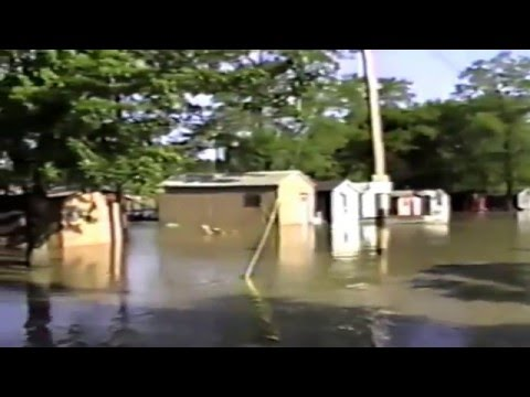 Pine river 1996 flood loose barge