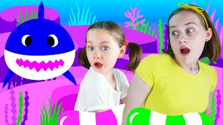 Liza and Dasha fun dance to the song Baby Shark | SKORIKI