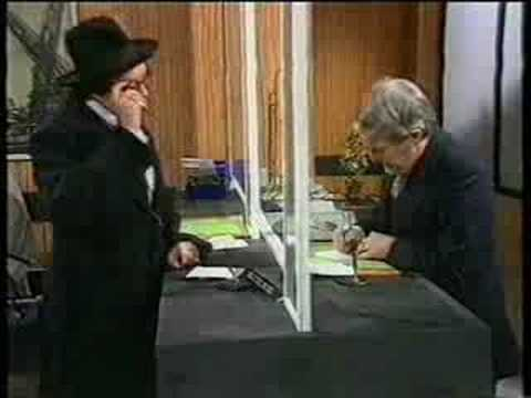 Morecambe & Wise - Bank Robber