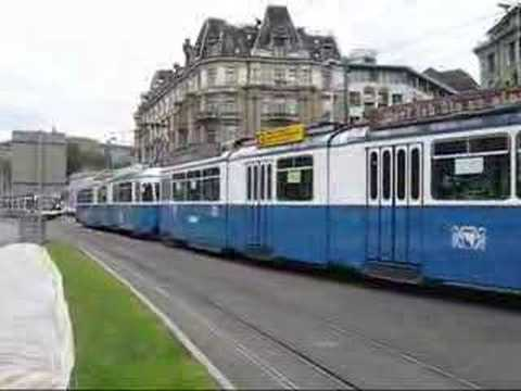 Tramways à Zürich en Suisse.