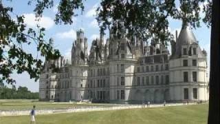 ロワールの古城の動画です。 シャンボール城 シュベルニー城の内部と外...