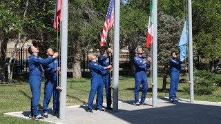 Экипаж ТПК  Союз МС 05   Поднятие флагов