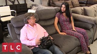 Larissa Goes Couch Shopping With Colt's Mom | 90 Day Fiancé