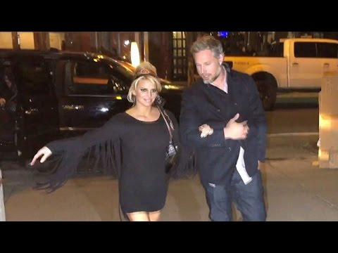 Jessica Simpson Goes All Black Sexy For Friday The 13th Dinner With Eric Johnson