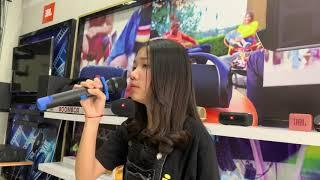 idol ច្រៀងពិរោះណាស់នៅ JBL Showroom ទល់មុខផ្សារហេងលី | អ៊ុក សុវណ្ណារី | JBL Cambodia