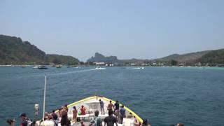 アキーラさん利用③タイ・プーケット・ラッサダー埠頭⇒ピピ島行きフェリー!Ferry from Ratsada pier in Phuket to Pipi island,Thailand