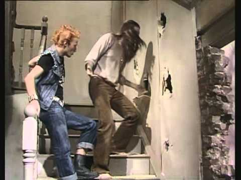 (1/3) The Young Ones - Bomb (S01 E04)