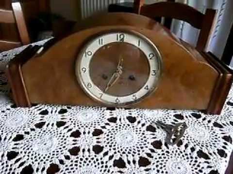 Orologio da tavolo a pendolo radica quadrante bianco youtube for Orologio da tavolo thun
