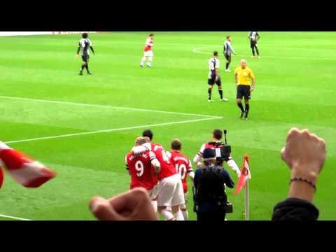 Arsenal Tottenham 5 - 2 Lukas Podolski Goal November 2012
