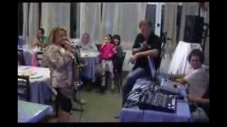 QdK Karaoke Laura canta MA CHE FREDDO FA di Nada