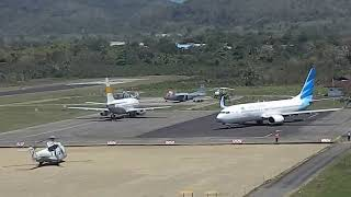 Jet B737 take of video from airport