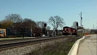 CP 8780 AND 6061 LEAD TRAIN 281 THRU TOSA BY HART PARK 4-9-10.MOV