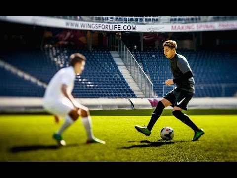 Hachim Mastour plays FIFA 14