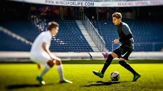 Hachim Mastour plays FIFA 14 - Player vs. Gamer