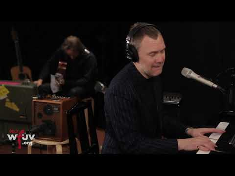 "David Gray - ""Gold In a Brass Age"" (Live at WFUV)"