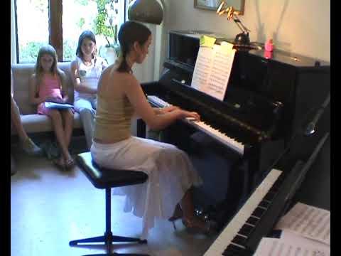 Esti at Natasha's summer 2005 recital