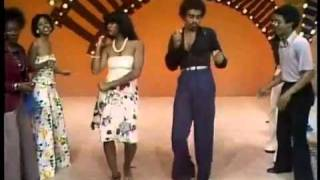 Soul Train Line Dance to Earth Wind   Fire's Mighty Mighty