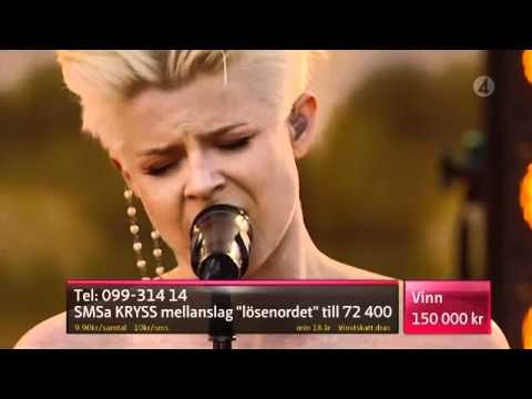 Robyn - Dancing On My Own ( Live Sommarkrysset 2010 )
