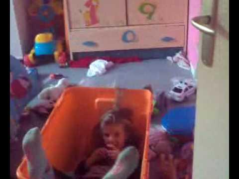 Mes bébés avec la chambre en bordel - YouTube