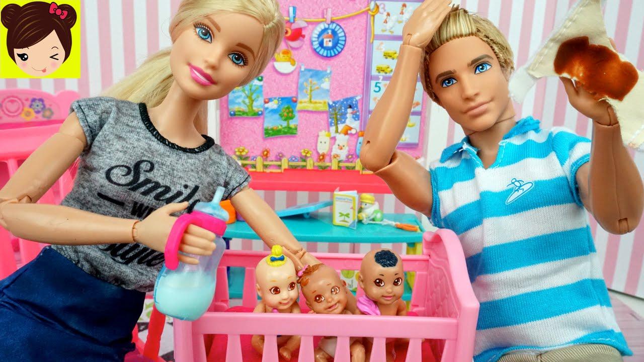 ec0b5a0f6e5ff Barbie y Ken cuidan a los Bebes en la Guarderia de Barbie - Los Juguetes de  Titi - YouTube