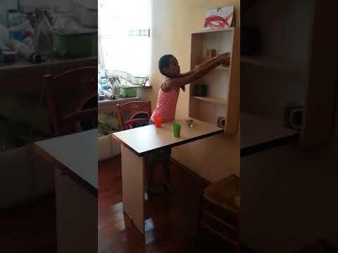 Парта школьная со стулом от TsuriCom - YouTube