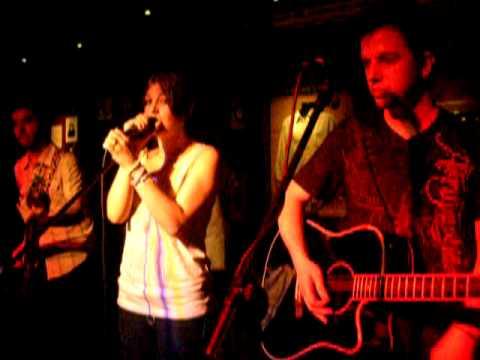Everlyn - Population Me & You (Acoustic) @ Hard Rock Café Madrid (18/06/10)