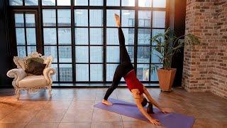 Упражнения для спины с использованием мяча для фитнеса и подушек. Е. Андросова