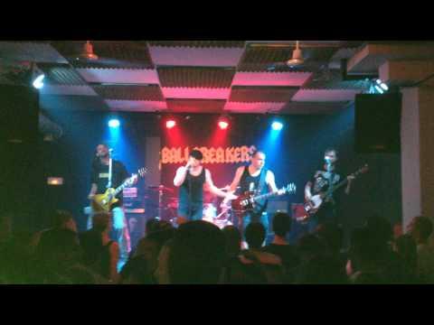ballbreakers---ac/dc---rock-n-roll-singer
