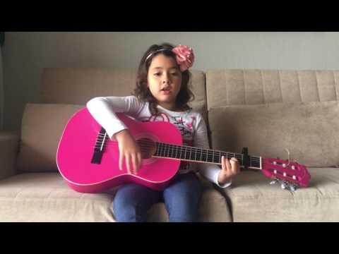 Manuela canta Trem Bala