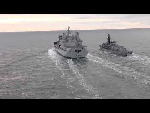 RFA Tidespring conducts RAS with HMS Sutherland