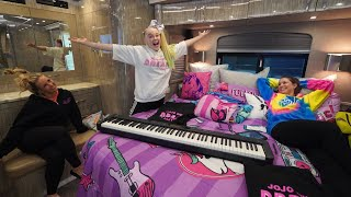 MY BUS TOUR! - JoJo Siwa