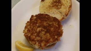 Maryland Style Crab Cake Sandwiches Recipe