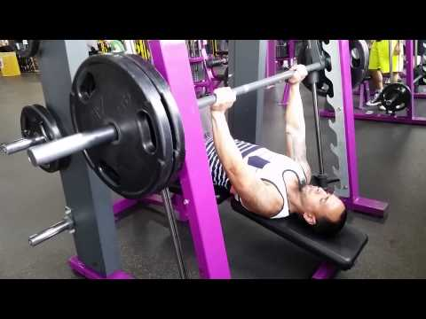 Planet Fitness Benching 205  - YouTube