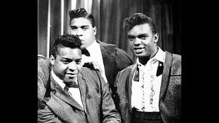 The ISLEY BROTHERS - Twist And Shout / This Old Heart Of Mine - stereo