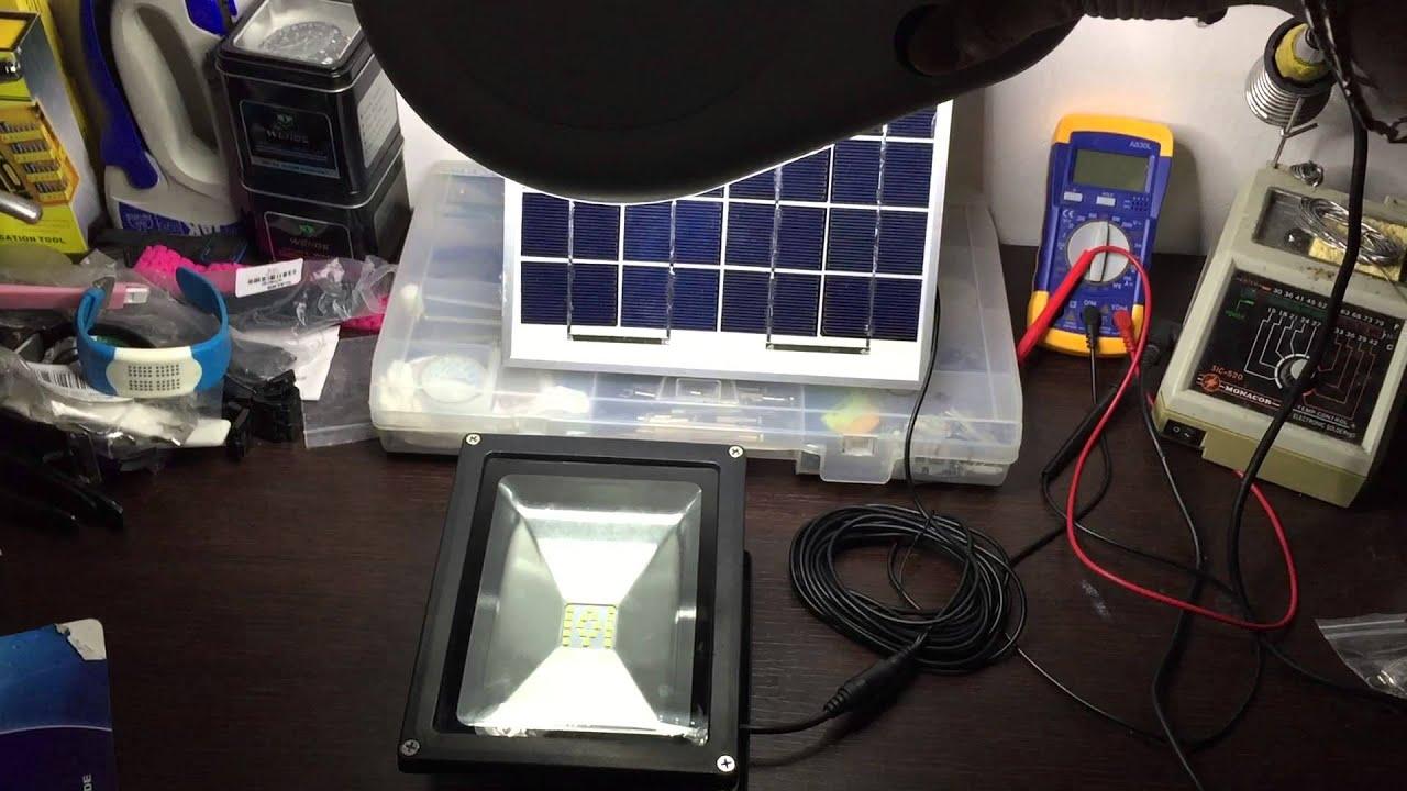 Pannello Solare Con Spina : Test faro led w con pannello solare e sensore