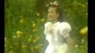 Amanda (Trem da alegria) canta