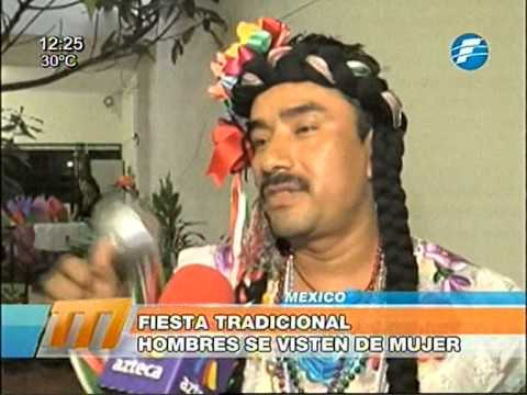 8a868d08a México  Hombres se visten de mujer para celebrar fiesta tradicional  16 01 2015
