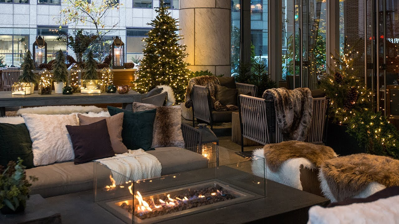 Outdoor Winter Decorating Ideas: See A Cozy Holiday Patio Makeover!