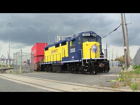New York Container Terminal Rail w/ PL1500-4RS Genset (2014)