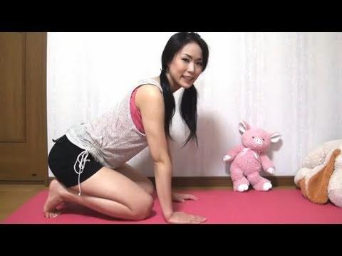 ヨガ ネコの伸びのポーズ / Yoga Cat Pose