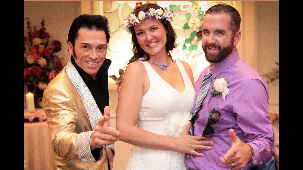 Roscoe Alycias Elvis Wedding In Las Vegas Cupid S Chapel