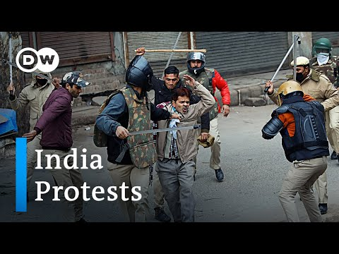 India: Police violence against protesters sparks outrage | DW News