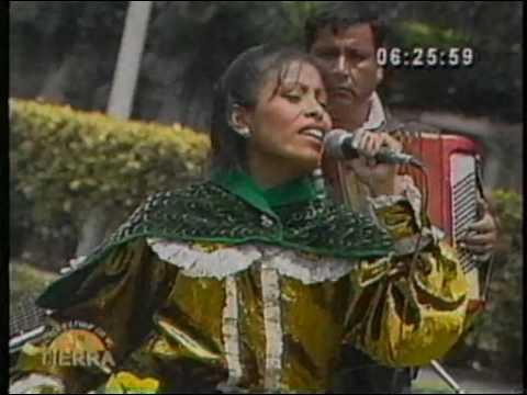 Popurri de Huayno Karina Fernandez