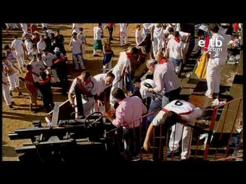 Toro saltando hasta el público en Tafalla: 40 heridos