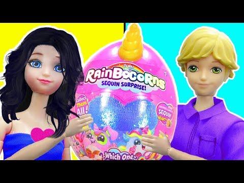 Marinette y Adrien abren juguetes de Huevos de Unicornios