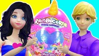 Barbie unboxes Unicorn Rainbow Corns
