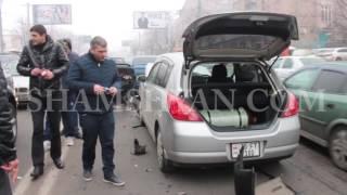 Շղթայական ավտովթար Երևանում  Բաղրամյան պողոտայում բախվել են 2 Nissan ներն ու 2 Lada ները