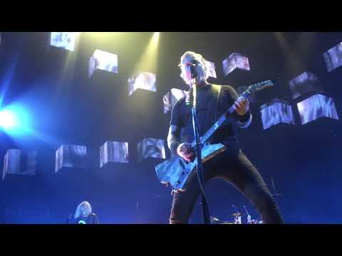 Anne Erickson - Metallica Performs Hardwired...to Self-Destruct Song for the First Time!