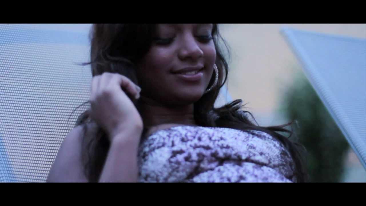 Mav Mädchen Videos, Puertoricanische Mädchen beugten sich in Riemen vor